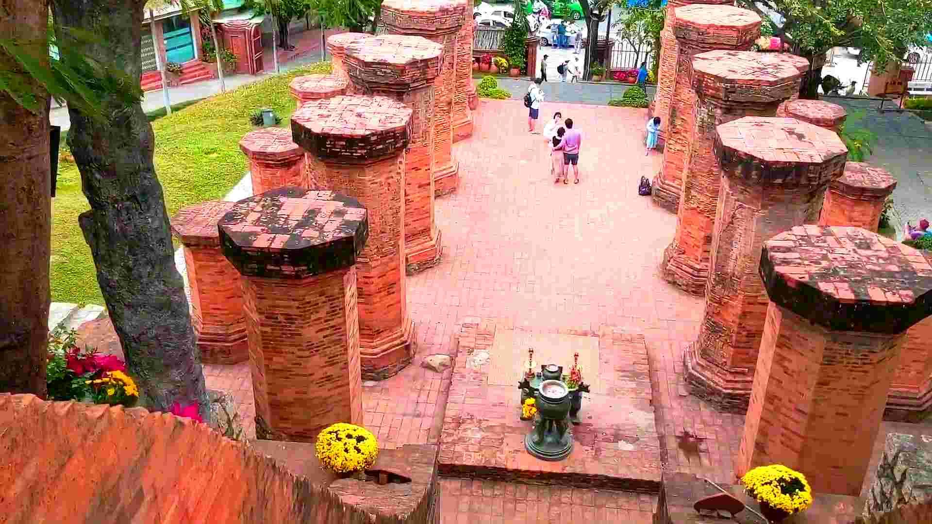 Башни Понагар Чам в Нячанге